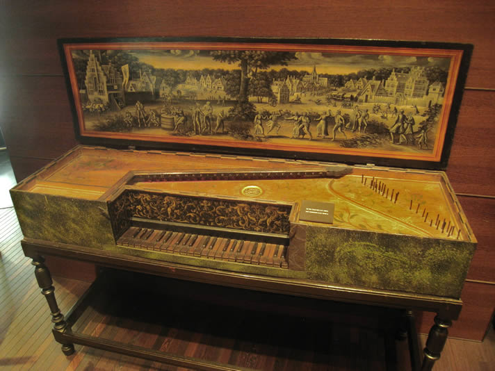 Virginal instrument, c.1580, made by Joannes Grauwels, in the Musical Instrument Museum, Brussels.