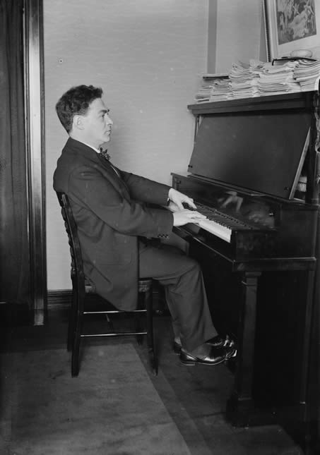 Harold Bauer playing the piano, c. 1915-1920.