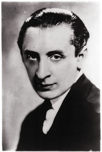 Portrait of Vladimir Horowitz in 1904.