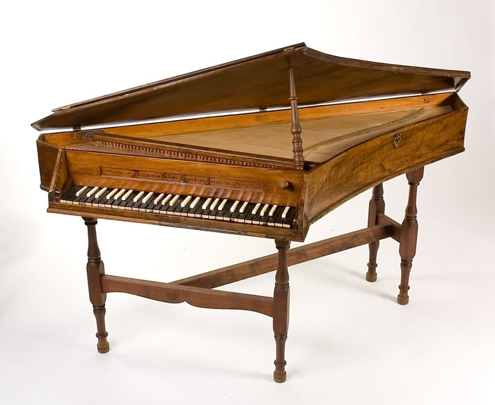 Spinet instrument built by Benjamin Slade, in the Musik-Och Teatermuseet, Stockholm, Sweden.